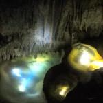 宮古島で鍾乳洞探検!パンプキンホールの神秘に触れる冒険ツアー